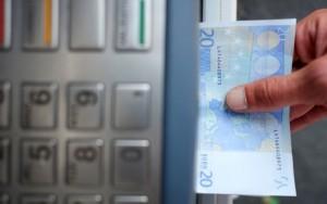 L'Insee prévoit une baisse globale du pouvoir d'achat de 0,3 % en 2018.AFP/JEAN-SEBASTIEN EVRARD