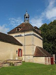 220px-Villecien,_château_du_Fey,_pigeonnier