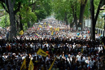 Manifestation-contre-president-Nicolas-Maduro-Caracas-19-avril-2017_0_728_485